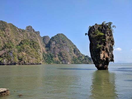 Thailand , Phuket, view from the beach to the Islands of Phi Phi and the sea. Reklamní fotografie