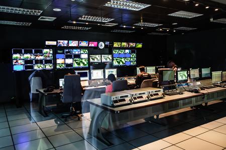 De kamer Editing bij TV kantoor Redactioneel
