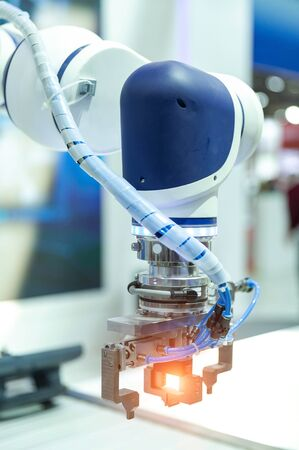 Industrial robot arm close up 写真素材 - 140089861