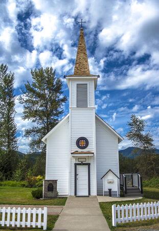 Small Town Church 版權商用圖片
