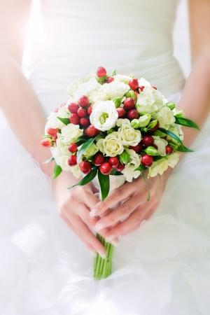 bridal bouquet in hands Standard-Bild