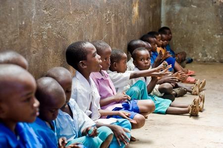 African children: trẻ em châu Phi Kenya Mombasa 25 tháng 1 năm 2012