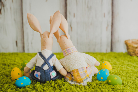 pair of easter bunnies sitting on the grass Reklamní fotografie