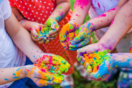 Paint holi on the hands Imagens