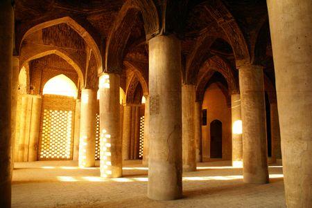 esfahan: Columns in mosque Ulu Jami in Esfahan, Iran Stock Photo