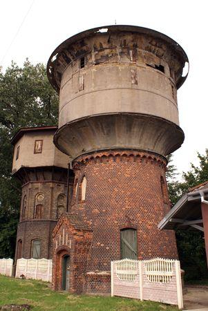 gusev: Acqua vecchia torre a Gusev, regione di Kaliningrad, Russia
