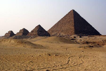 chephren: Four piramids and desert in Giza, Egypt