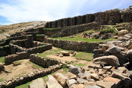 インカの石の島のイスラ デル上遺跡ソル、ボリビア