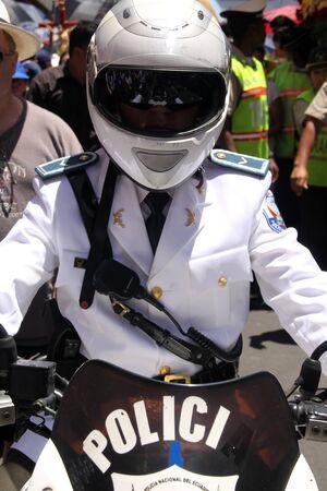 croud: Policeman and croud on the street