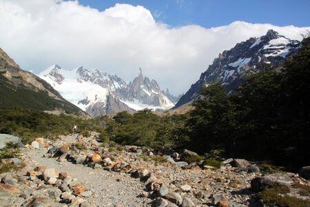 chalten: Footpath in the national park near El Chalten, Argentina