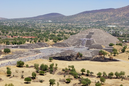 ancient civilisations: Moon piramid - view from Sun piramid in Teothuacan, Mexico
