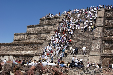 ancient civilisations: People on the Moon piramid in Teothuacan, Mexico
