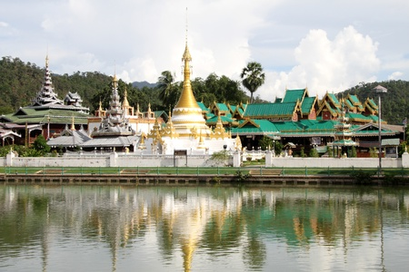 Wat Chong Kham and Wat Chong Klang, Mae Hong Son