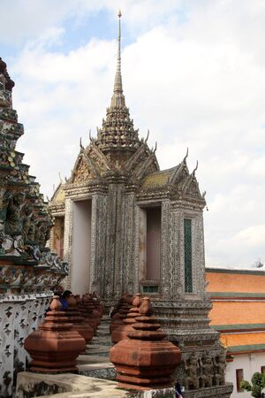 Prang of wat Arun in Bangkok, Thailand photo