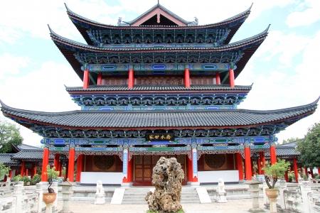 麗江、中国の古い仏教寺院 inb Mu レジデンスは大きな