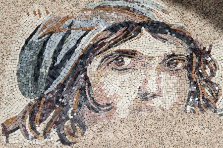 ゼウグマ ガズィアンテプ, トルコの近くのローマ時代のモザイクに直面します。 報道画像