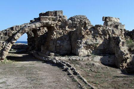 kibris: Arch and ruins in Salamis, North Cyprus