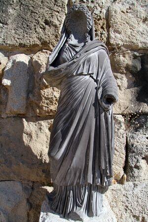 kibris: Statue near the wall in Salamis, North Cyprus