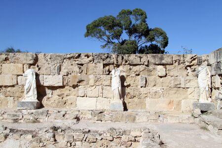 kibris: Tree statues near the wall in Salamis, North Cyprus