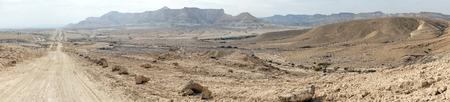 nahal: Dirt rosd in Nahal Zin in Negev desert