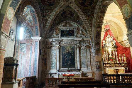 chiesa: MORCOTE, SWITZERLAND - CIRCA AUGUST 2015 Inside Chiesa di Santa Maria del Sasso Editorial