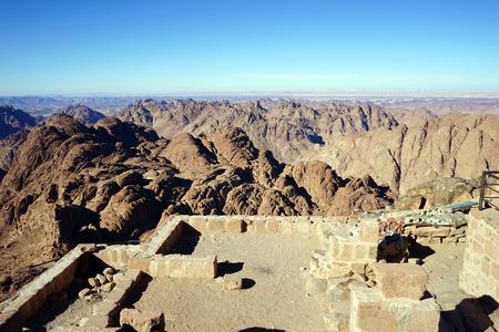 monte sinai: En la cima del monte Sinaí en Egipto
