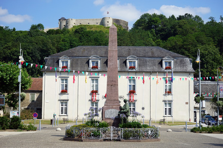 obelisk: MAULEON, FRANCE - CIRCA JULY 2015 Obelisk and Mairie Editorial
