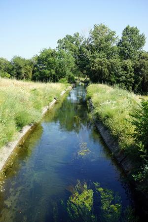 Kanaal met water in Frankrijk