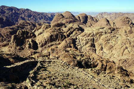 monte sinai: Vista desde el monte Sinaí en Egipto Foto de archivo