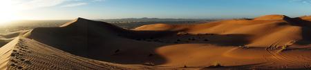 Morning in Sahara desert near Merzuga village in Morocco Standard-Bild - 97705297