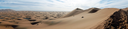 Panorama of Sahara desert near Merzuga village in Morocco Standard-Bild - 97705393