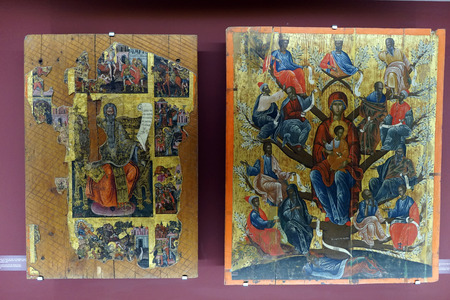 HERAKLION, GREECE - CIRCA MAY 2018 Images in museum of religious art in Saint Minas church  Foto de archivo - 102919646