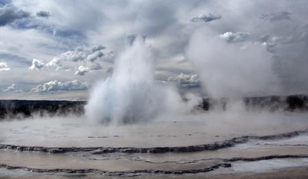 Midway geyser Yellowstone