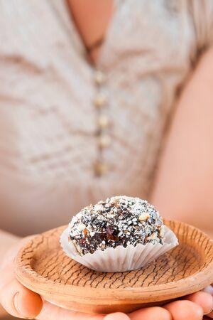 ciruela pasa: dulces caseros con ciruelas pasas, maní y coco copos