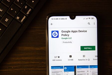 Ivanovsk, Russia - July 21, 2019: Google Apps Device Policy app on the display of smartphone 版權商用圖片 - 132983086