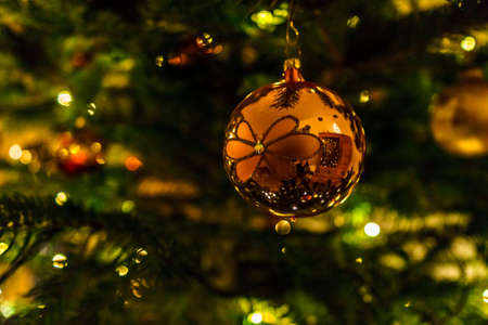 christmas tree decorations 2019
