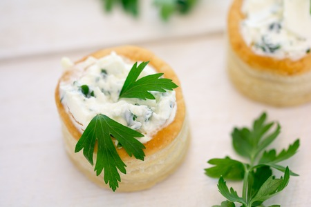 au: Vol au vent with cheese and parsley Stock Photo