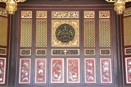 partition: Chinese Motif Wooden Partition