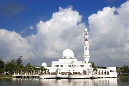 tabernacle: Tengku Tengah Zaharah Mosque