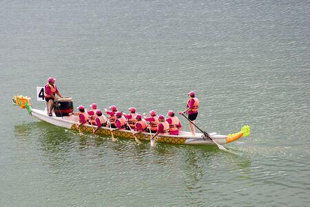 bateau de course: Dragon Boat Race Banque d'images