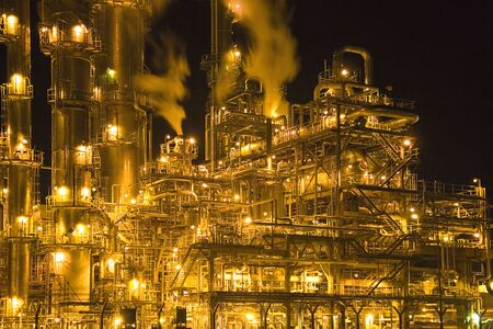 refineries: Oil Refinery at Night