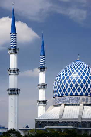 Sultan Salahuddin Abdul Aziz Shah Mosque or commonly known as the Blue Mosque, located at Shah Alam, Selangor, Malaysia. Stock Photo - 2824389