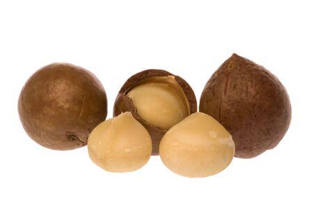 macadamia: Isolated macro image de noix de macadamia.