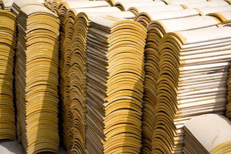 rooftile: Immagine di pile di tegole. Archivio Fotografico