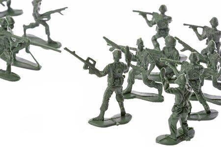 batallon: Aislado imagen de soldados de juguete.