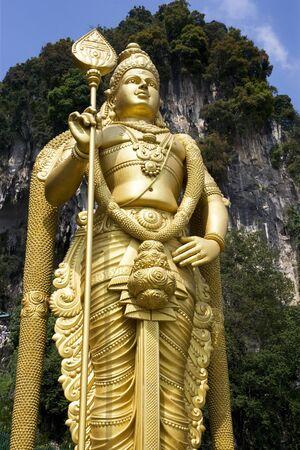 hindues: Imagen de la m�s alta del mundo (42,7 metros) estatua de Se�or Muruga, una deidad hind�. Ubicado en Cuevas Batu Templo, Selangor, Malasia.