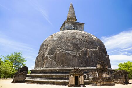 polonnaruwa: Image of UNESCOs World Heritage Site of Kiri Vehera, located at Polonnaruwa, Sri Lanka. The work of Queen Subhadra, one of the consorts of King Parakramabahu (1153-1186 AD), it is the best preserved of Sri Lankas un-restored dagobas.  Stock Photo