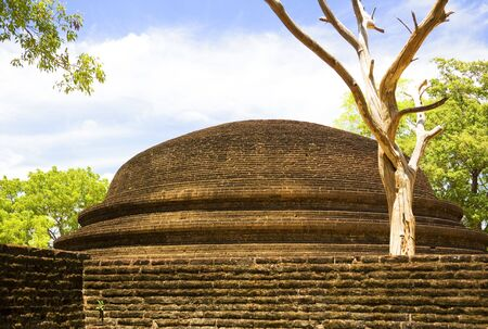 polonnaruwa: Image of a crematory stupa at UNESCOs 12th century World Heritage Site of Alahana Parivena, located at Polonnaruwa, Sri Lanka.  Stock Photo