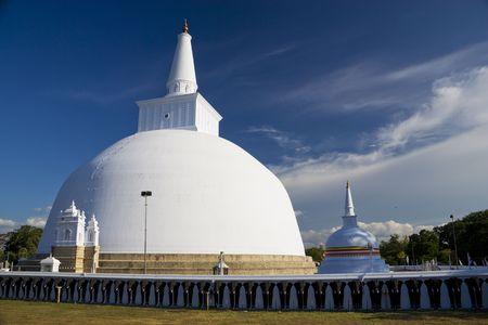 dagoba: Image of UNESCOs World Heritage Site of Ruvanveli Dagoba, located at Anuradhapura, Sri Lanka.