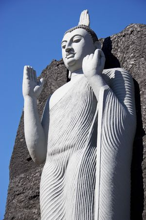 aukana buddha: Image of a giant replica of Aukana Buddha at Giritale, Sri Lanka.